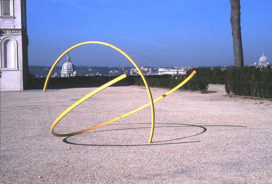 Patrick Fleury  Bouton d'or  (1999) aluminium peint  (Ø 350 cm)