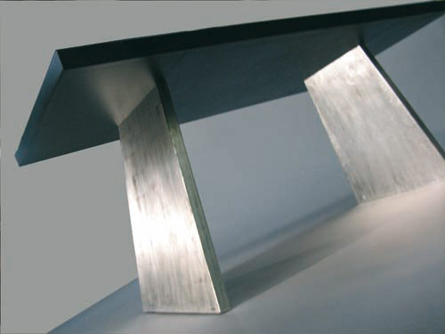 "Patrick Fleury  Table ""FRESIA""  (2008) acier peint, or blanc (90 x 180 x 73cm)"